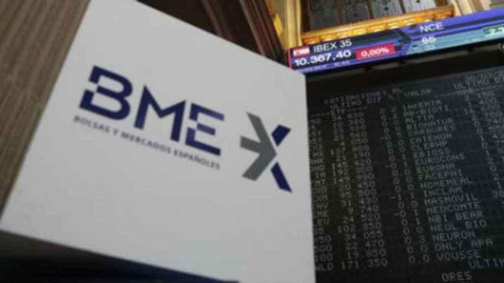 Logotipo de BME en la Bolsa de Madrid.