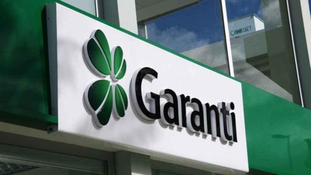 Rótulo en una de las sucursales de Garanti Bank.