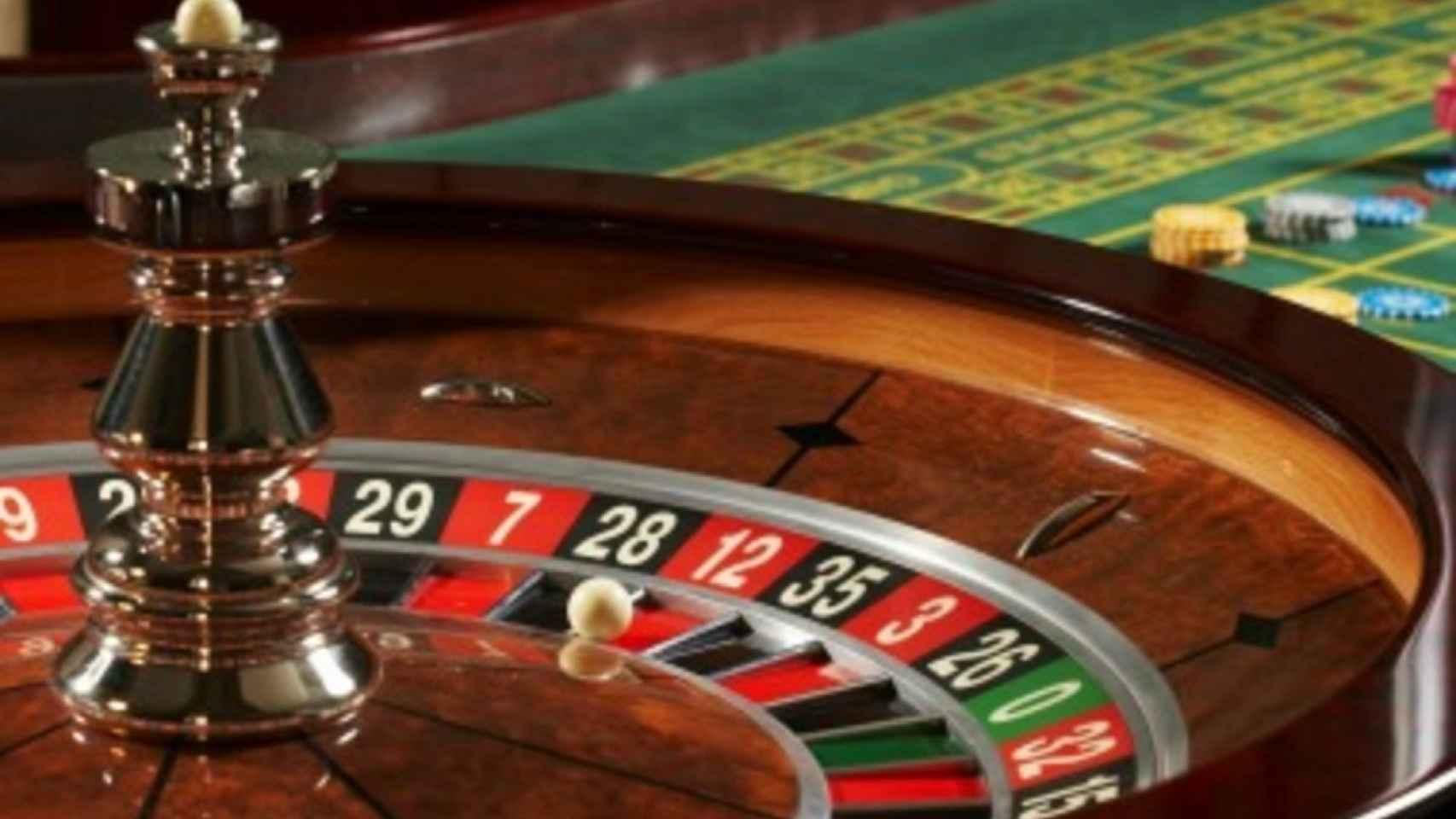 Ruleta de juego en una sala de apuestas.