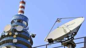 Antenas en la sede principal de Mediaset Italia.