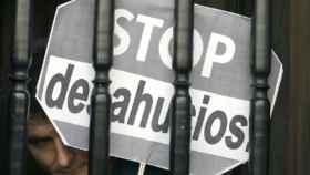 El Constitucional admite el recurso de Podemos contra la ley que agiliza los desahucios