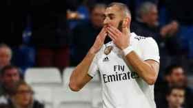 Karim Benzema celebra el primer gol al Rayo Vallecano
