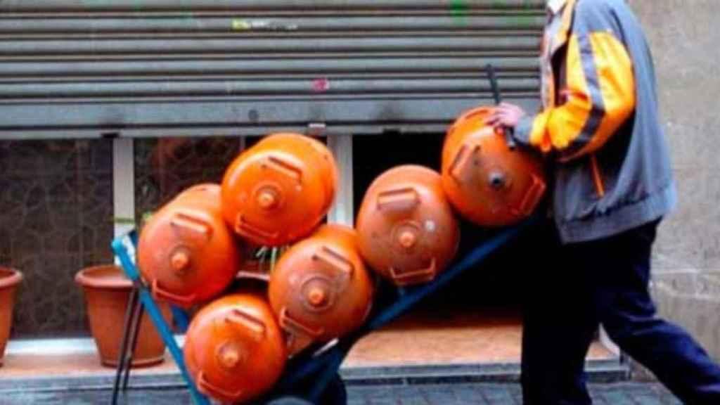 La bombona de butano baja casi un 5% a partir de este martes, hasta los 13,96 euros