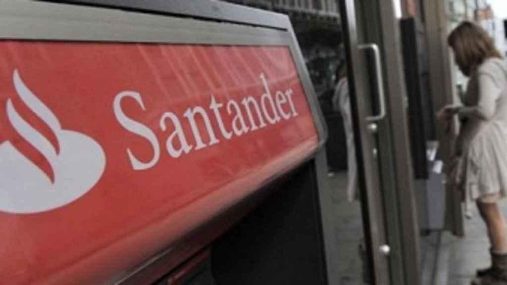 Santander Consumer lanza una tarjeta de crédito fabricada con materiales biodegradables.