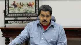 Fitch baja calificación de Venezuela y dice que incumplimiento es muy probable