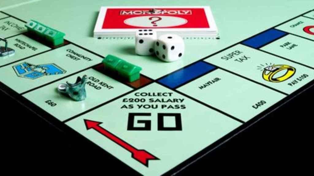 Juegos como el monopoly pueden ayudar a los jóvenes a comprender la importancia de una buena inversión.