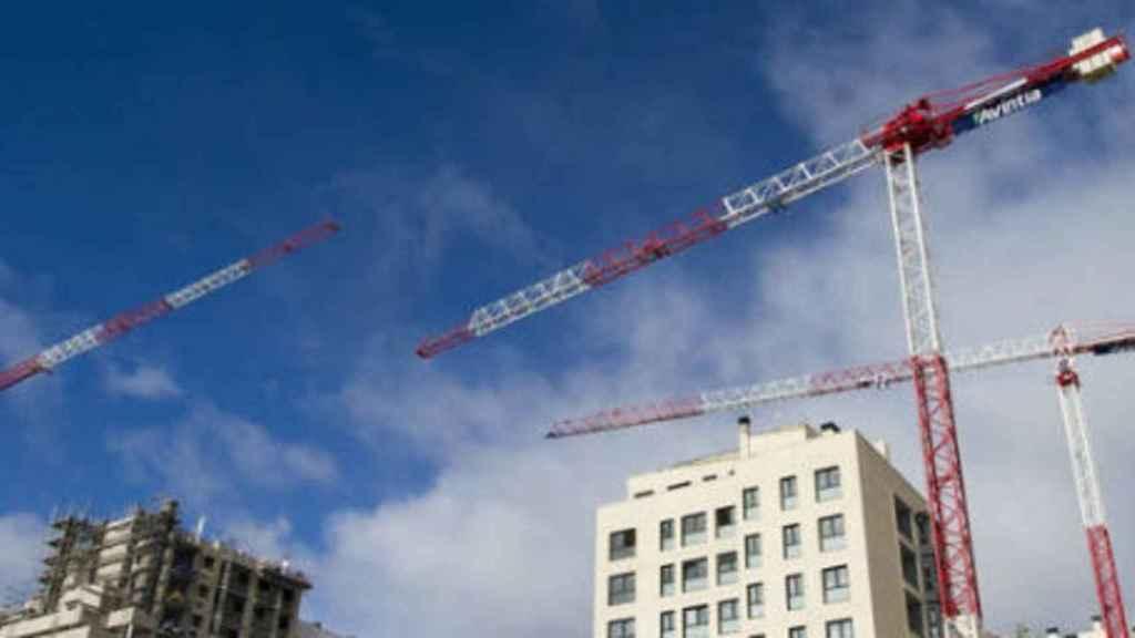 Imagen de archivo de unos edificios en construcción.