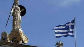 La demanda por la deuda griega supera ya los 6