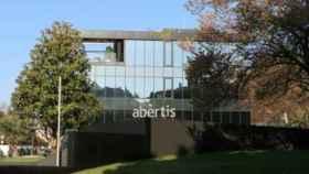 Los consejos de Abertis y Cellnex estudiarán este lunes trasladar sus sedes fuera de Cataluña