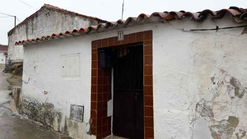 Portal de la casa ante la cual el vecino se sentaba a observar a la joven zamorana.