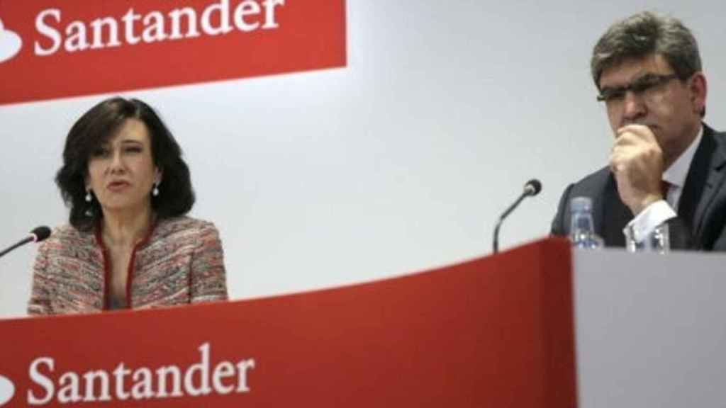 Ana Botín, presidenta de Banco Santander, junto al CEO, José Antonio Álvarez.