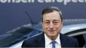 Draghi ve aún necesarios los estímulos pese a que el crecimiento mejora
