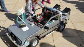 Cómo fabricar el DeLorean y que tu hija triunfe en las fiestas de disfraces