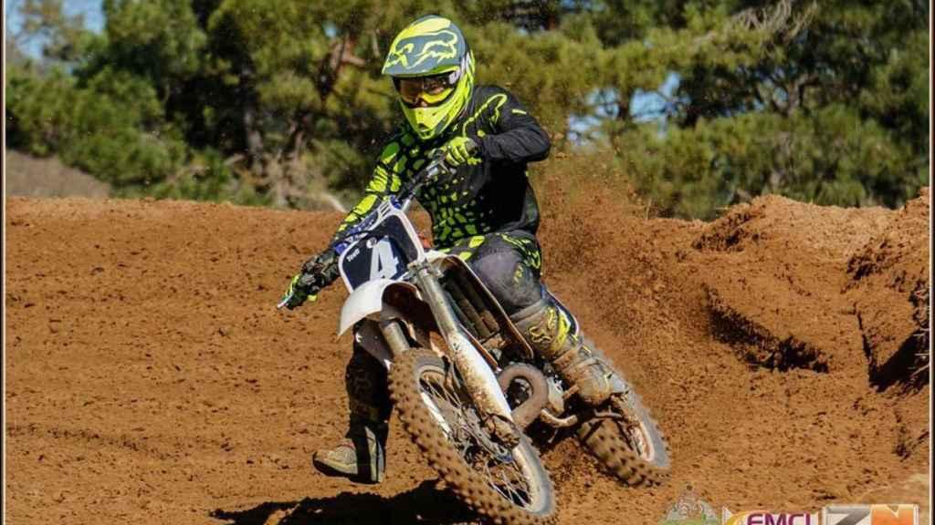 'Teofi' compitiendo en una carrera de motocross