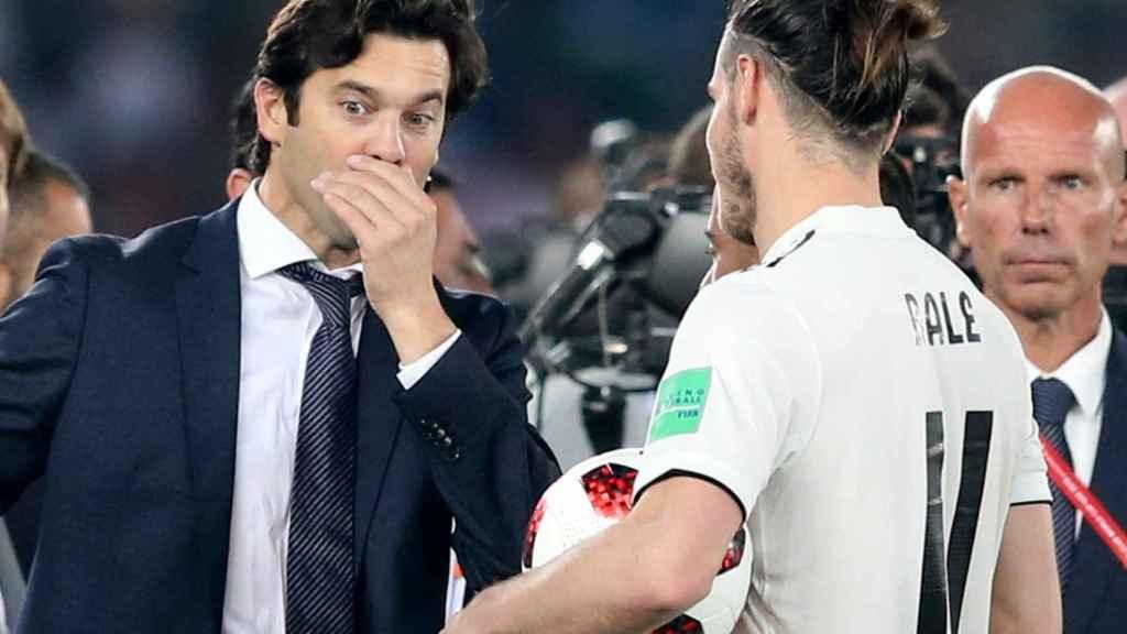 Solari dialoga con Bale en el Mundial de Clubes