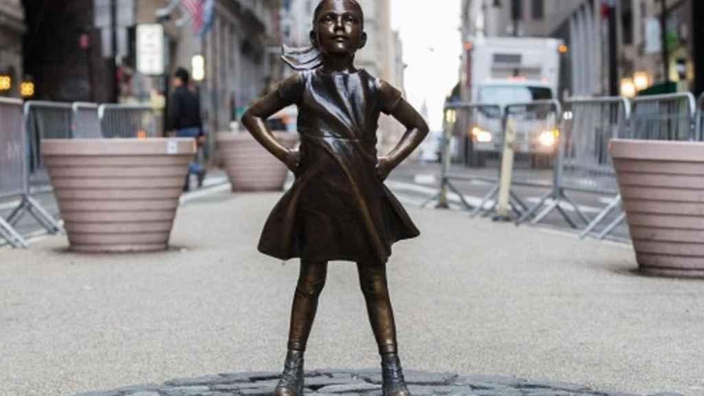 Estatua de la 'Fearless Girl' en Wall Street.