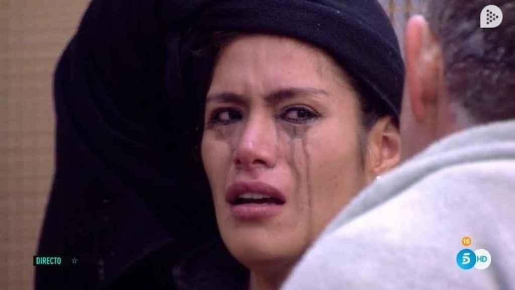 Miriam llorando lágrimas negras en 'GH VIP'.