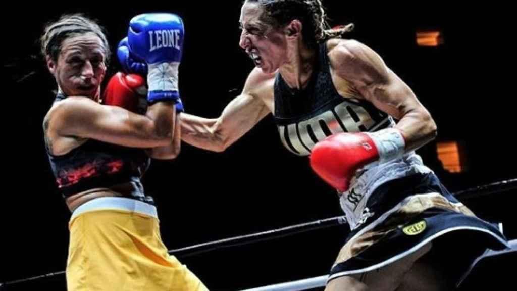 Jeniffer Miranda, durante un combate. Instagram: (@jennifer_miranda_box)