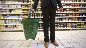 Una cliente en un supermercado.