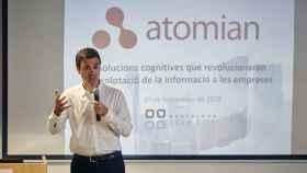 El fundador y CTO de Atomian, Miquel Montero, en una charla.