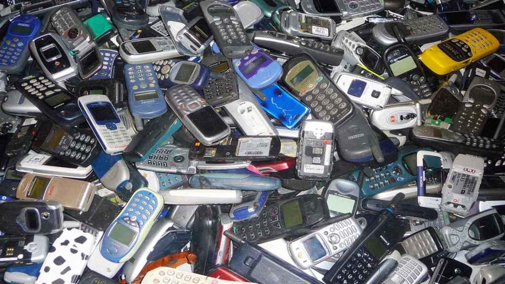 La basura tecnológica que generamos es uno de los efectos de la obsolescencia programada.