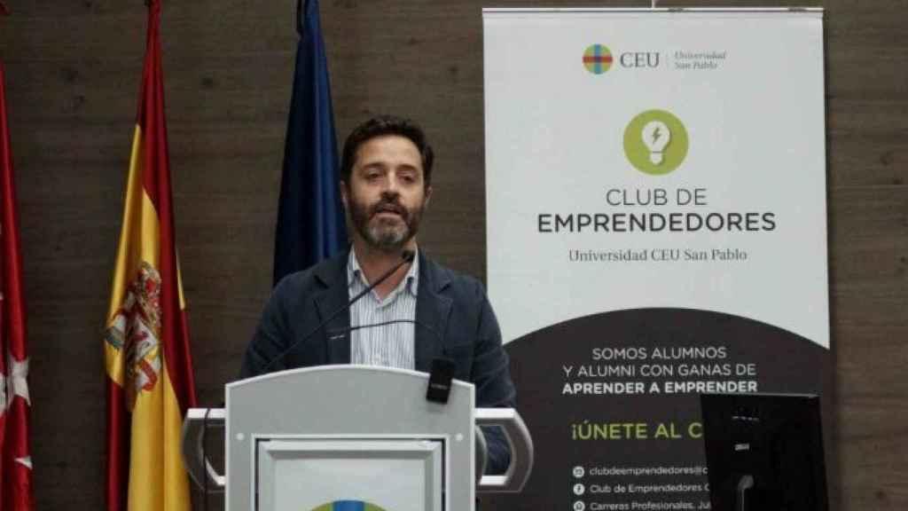 Ignacio Román, nuevo director general de Emov, en un acto del CEU.