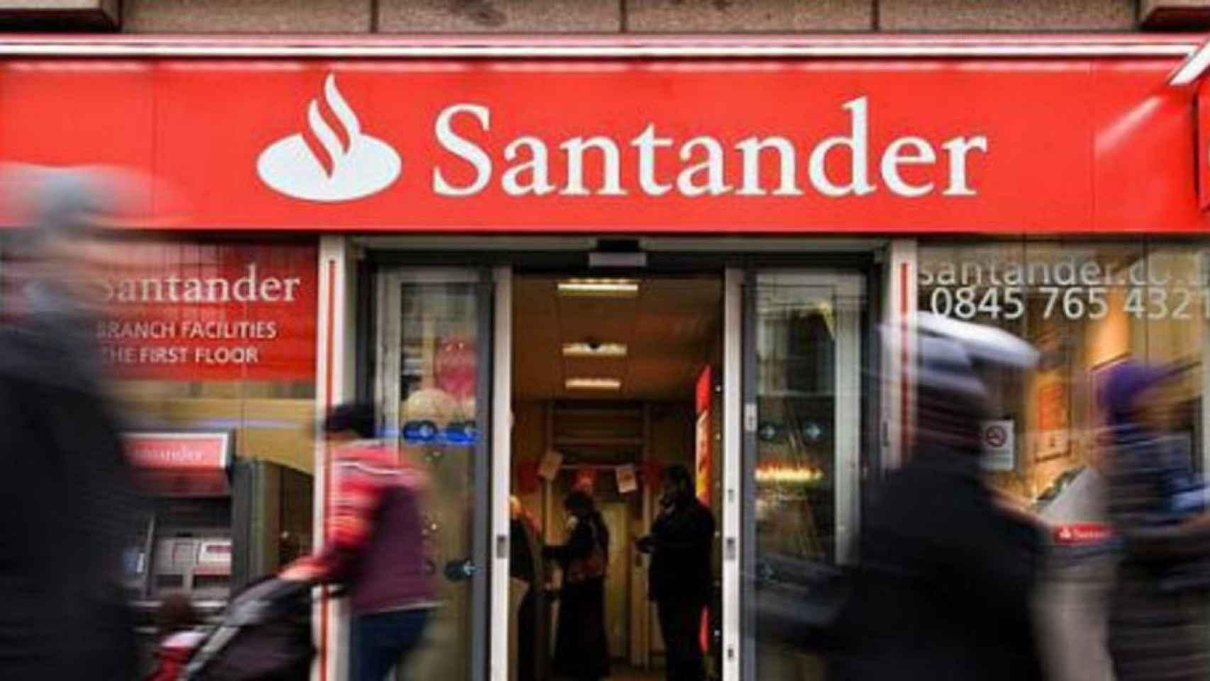 Imagen de una sucursal de Santander UK.