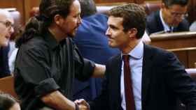 Pablo Casado y Pablo Iglesias, en el Congreso de los Diputados.
