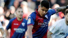 'Cucho' Hernández marca su gol de penalti al Valencia