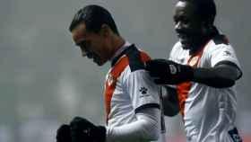 Raúl de Tomás, delantero del Rayo Vallecano, celebra su gol ante el Levante