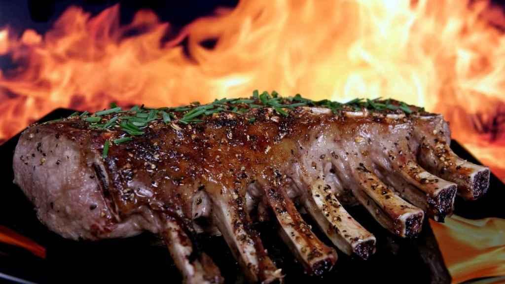 La dieta carnívora entraña ciertos riesgos para nuestro organismo.