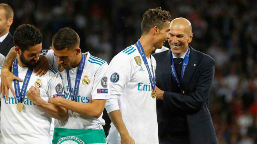 Cristiano y Zidane durante la celebración de La Decimotercera