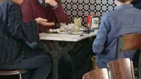 Marin reunido con Antonio Maíllo y Teresa Rodriguez, negociando en la estación de tren de Jerez.