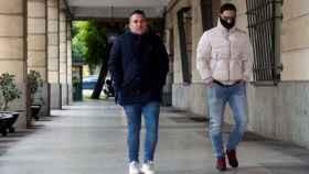José Ángel Prenday Alfonso Jesús Cabezuelo, a su llegada a la Audiencia de Sevilla para seguir por videoconferencia la vista en la Audiencia de Navarra para decidir si siguen en libertad provisional o entran en prisión.