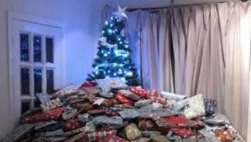 0_People-brand-present-mad-mum-selfish-and-disgusting-over-pile-of-gifts-so-big-you-can-barely-see