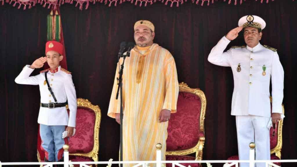 El rey de Marruecos y su hijo heredero en un acto en Rabat