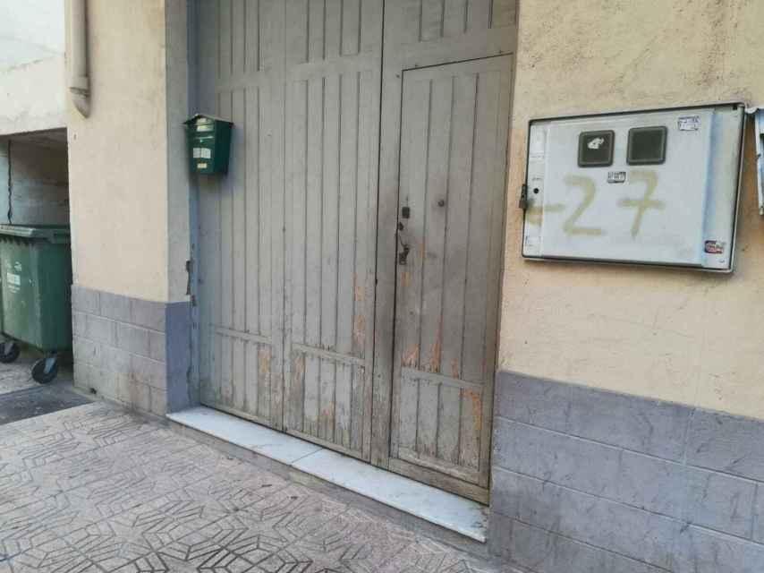 La violación se produjo en la planta baja de esta vivienda de Callosa d'En Sarrià (Alicante).