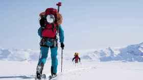 Jim Morrison, uno de las alpinistas de este equipo, escaló y esquió tres picos de 8.000 metros con ropa de este tejido.