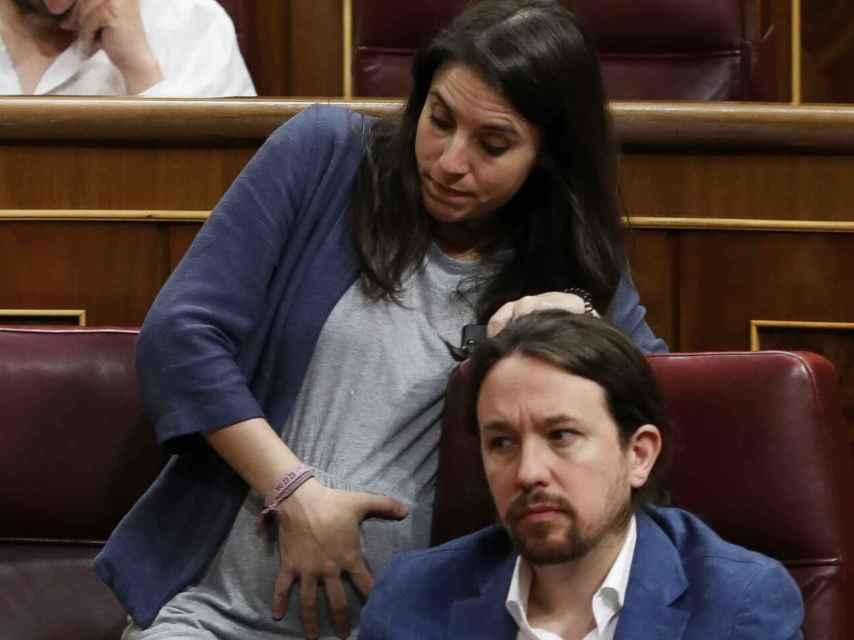 Irene Montero y Pablo Iglesias, en el Congreso días semanas antes de dar a luz.