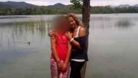 La madre asesinada junto a su hija de 17 años, detenida como presunta autora del apuñalamiento.