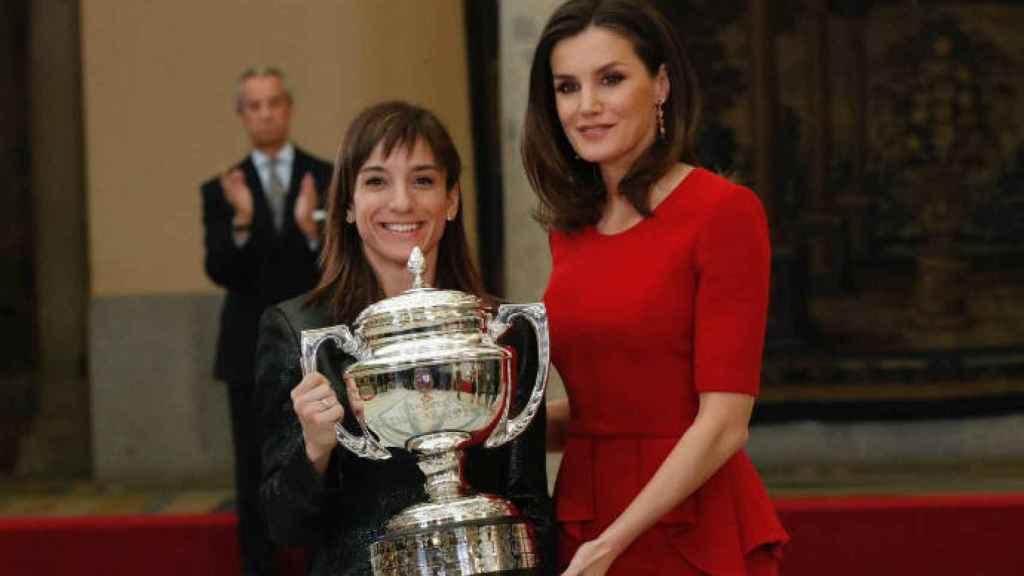 Sandra Sánchez junto a la reina Letizia