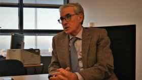 Ramón Jáuregui atiende a EL ESPAÑOL en una entrevista concedida en el pasado en su despacho de la Eurocámara en Estrasburgo.