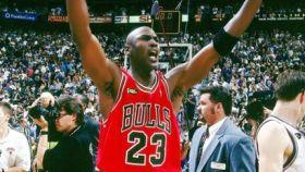 Michael Jordan, tras ganar su sexto anillo. Foto: Twitter