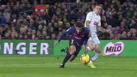 Coutinho pidió un penalti inexistente ante el Eibar