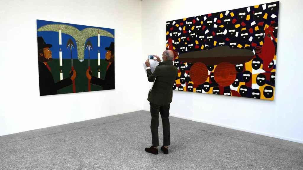 Dos de las obras expuestas en la muestra 'El buque Fantasma', de Eduardo Arroyo.