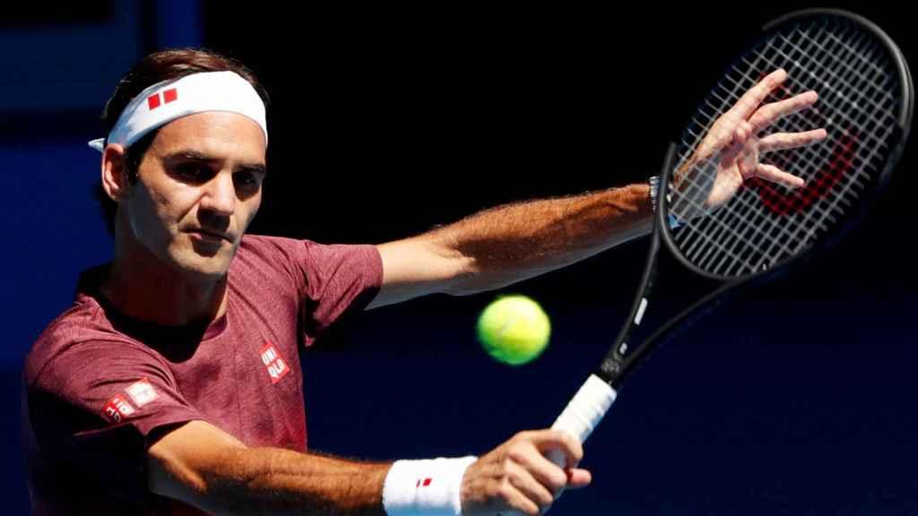 Federer, durante un entrenamiento en el Abierto de Australia.