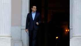 El primer ministro griego, Alexis Tsipras, a su salida de la Mansión Maximos.