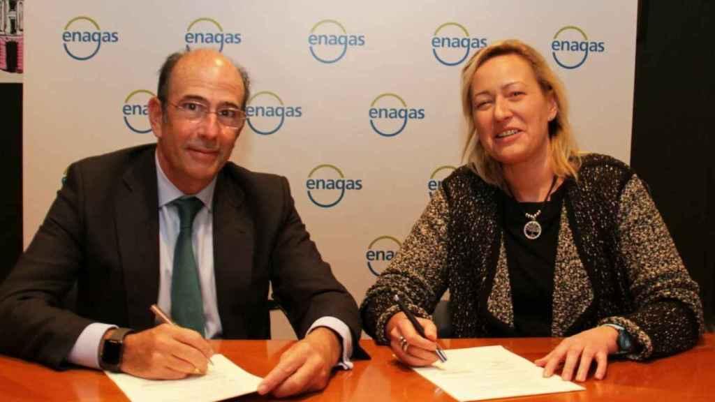 El Consejero Delegado de Enagás, Marcelino Oreja, y la Consejera de Economía, Industria y Empleo del Gobierno de Aragón, Marta Gastón.