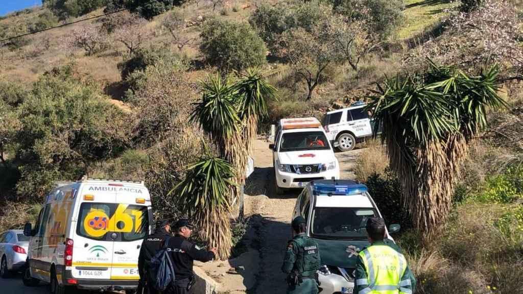 Un operativo de 100 personas trata de encontrar con vida a un niño de dos años en el interior de un pozo en Totalán (Málaga).