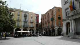 Plaza del Ayuntamiento de Figueres, donde ha tenido lugar el incendio